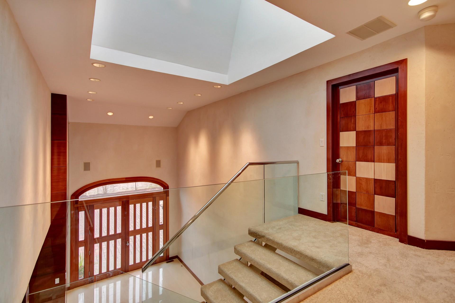 4 Chelsea Drive Livingston NJ Stairs
