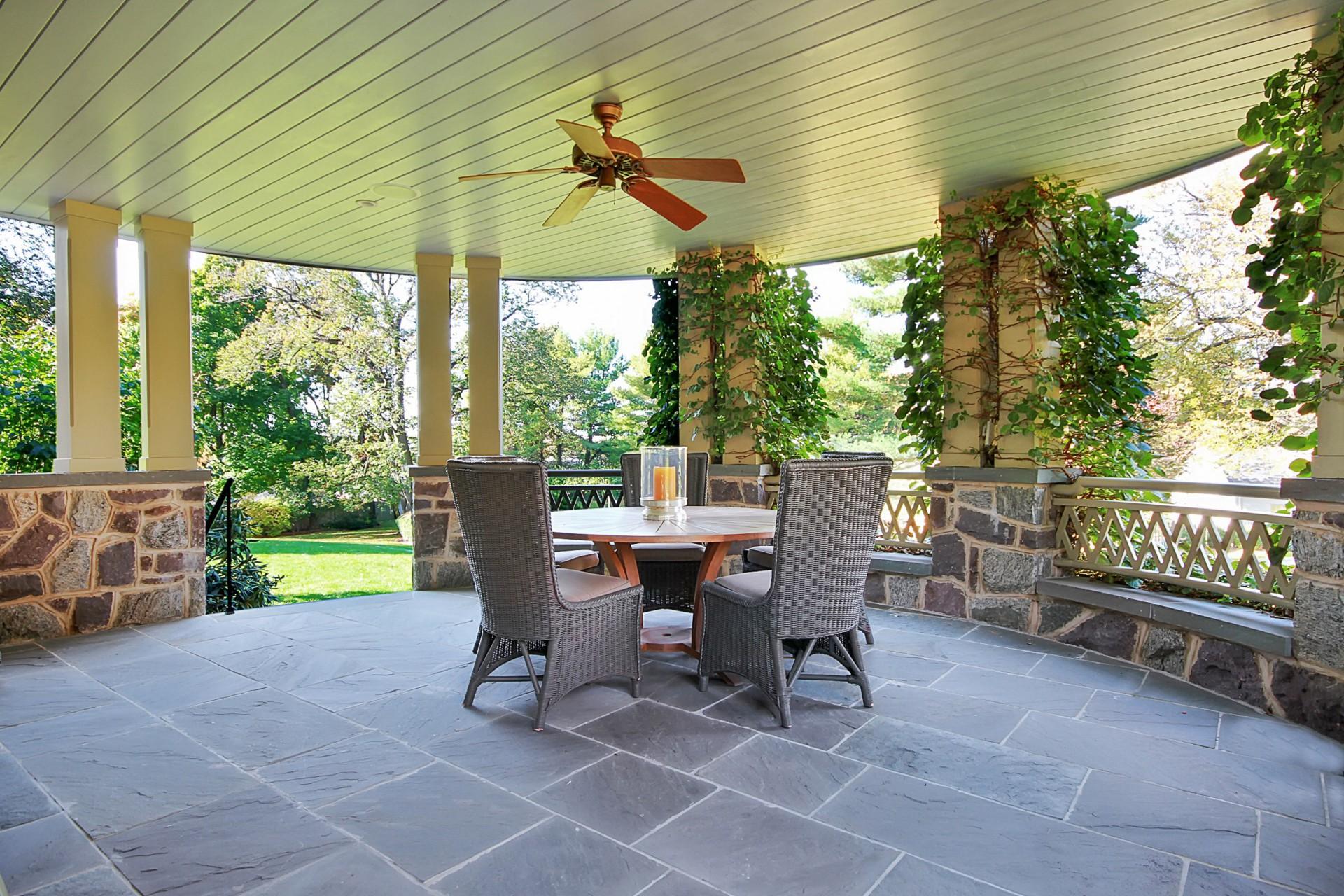 40 Beekman Terrace Front Porch