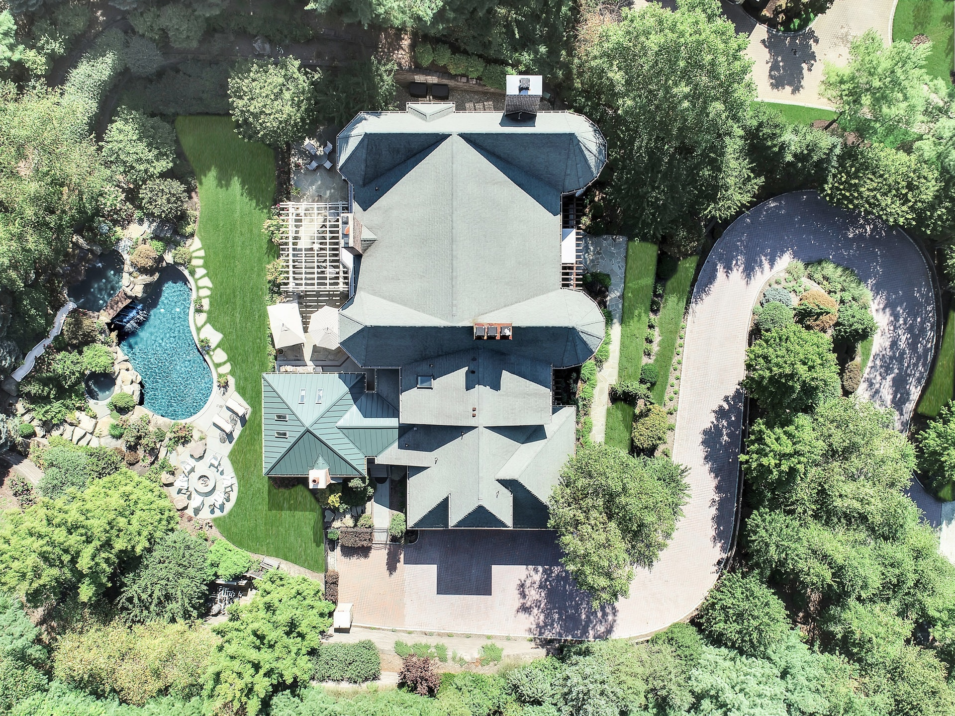 11 Notch Hill Drive - Aerial View