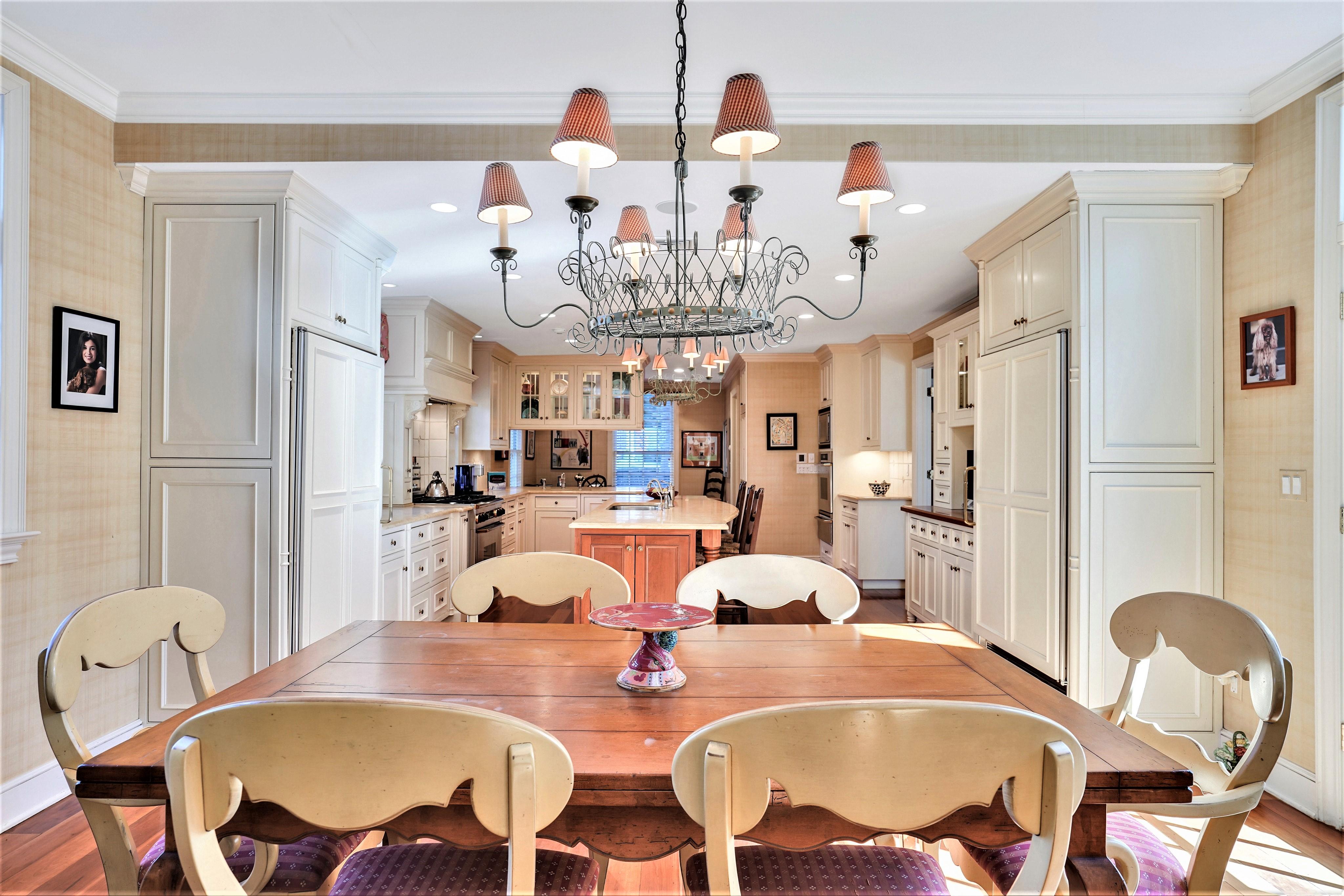195 Highland Avenue Breakfast Room