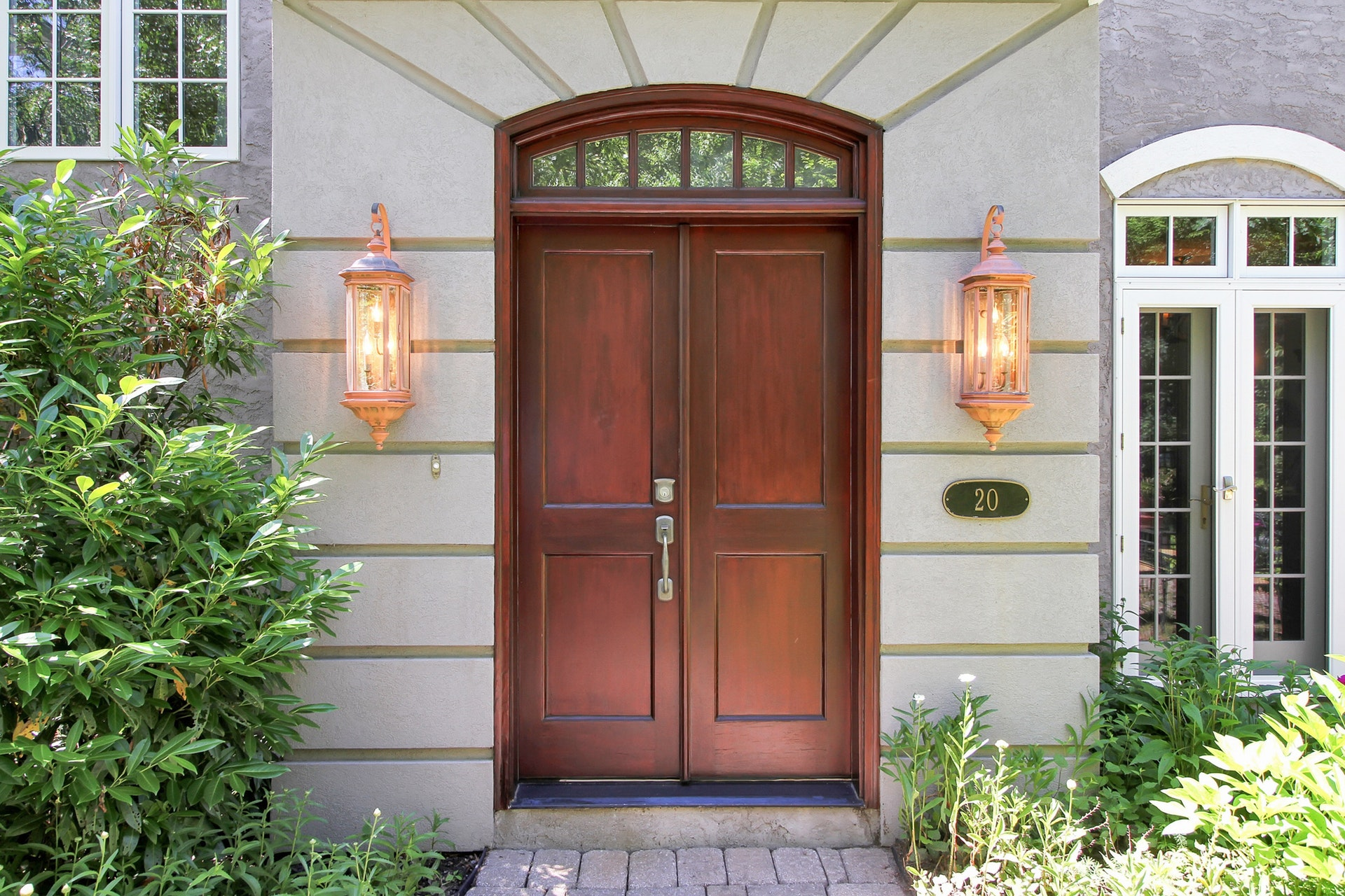 20 Lake End - Front Door