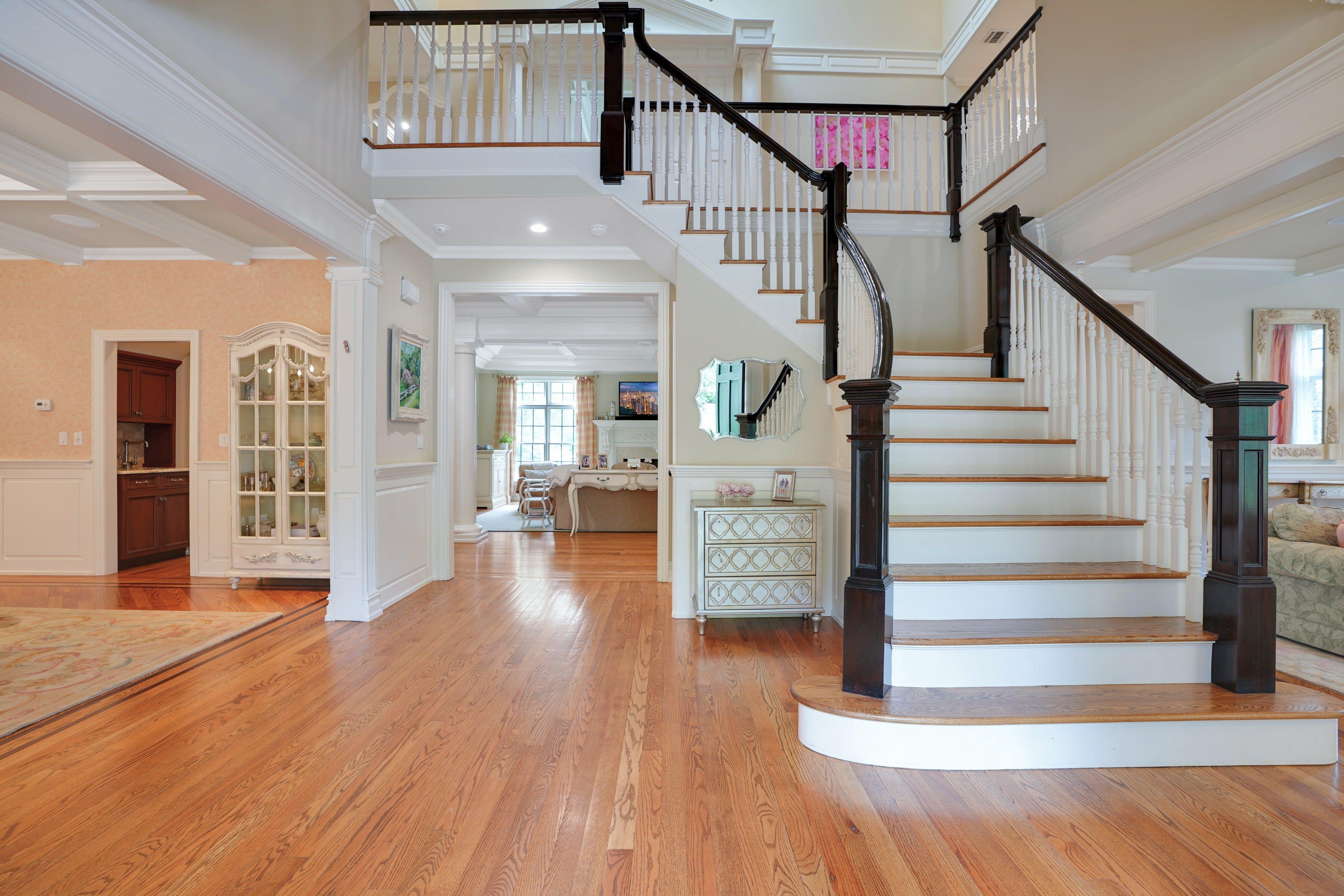 21 Saratoga - Foyer