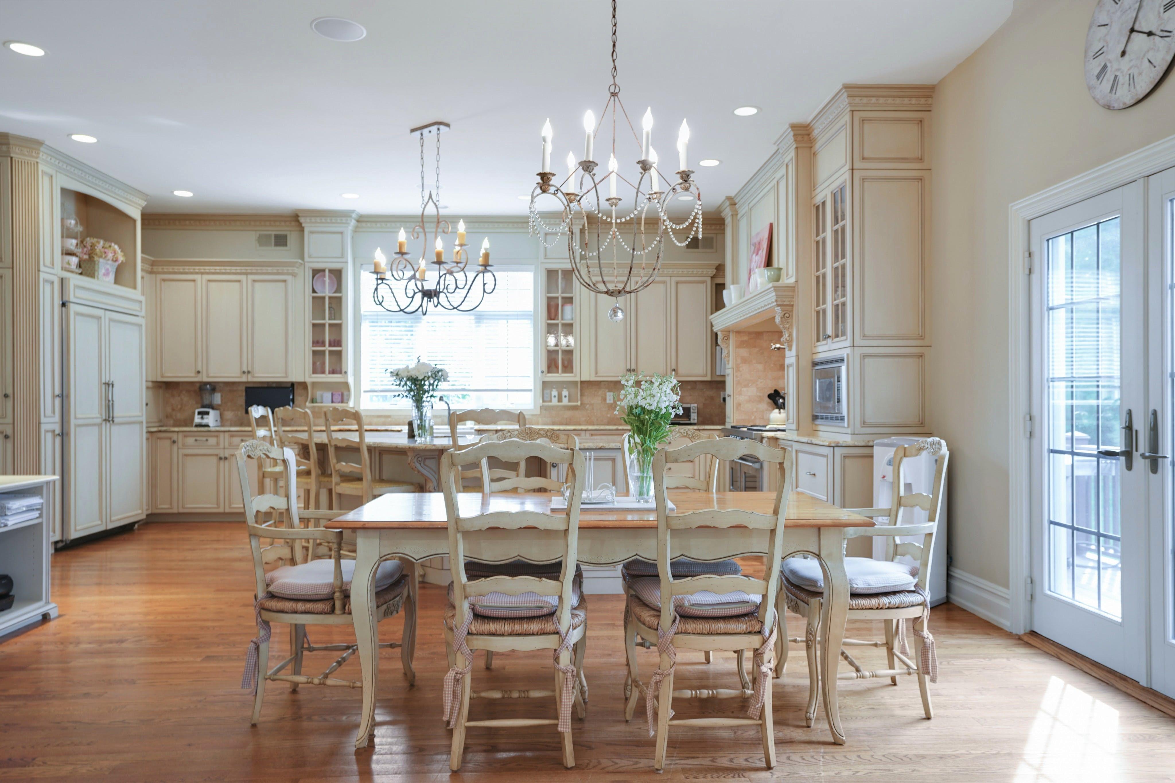 21 Saratoga - Kitchen