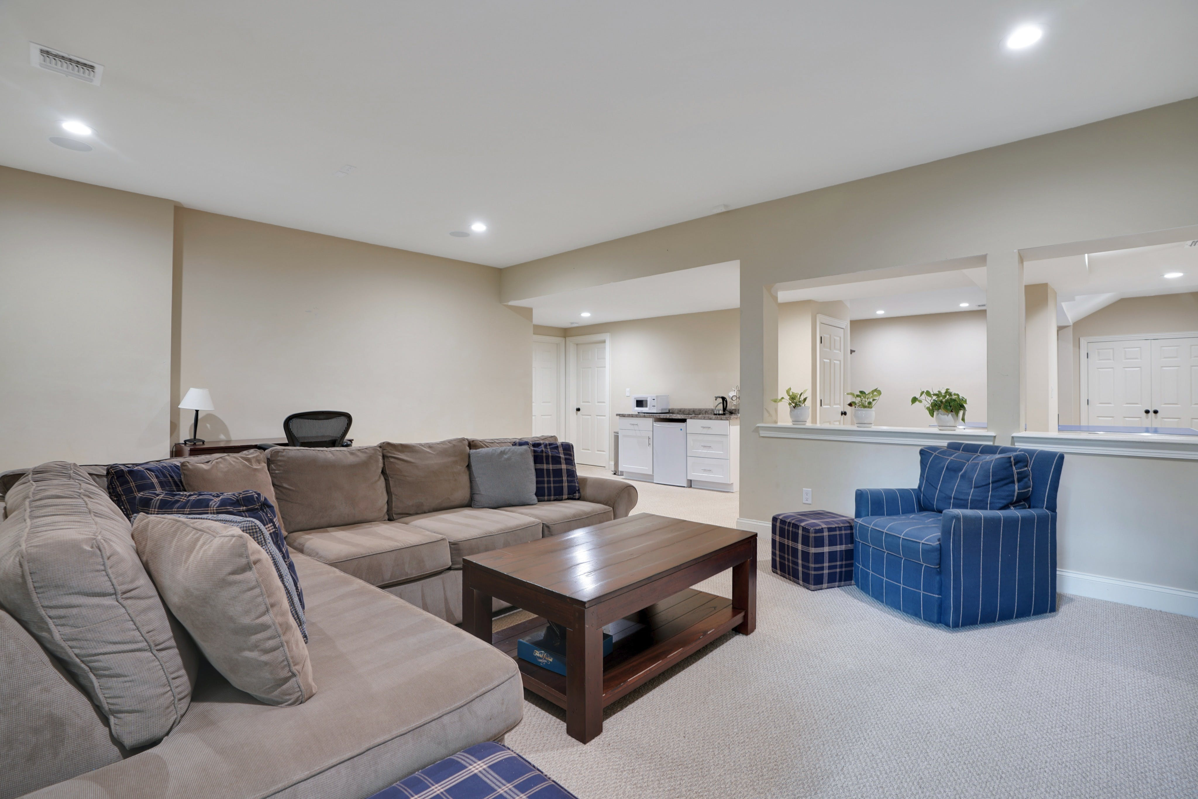 21 Saratoga Way - Recreation Room
