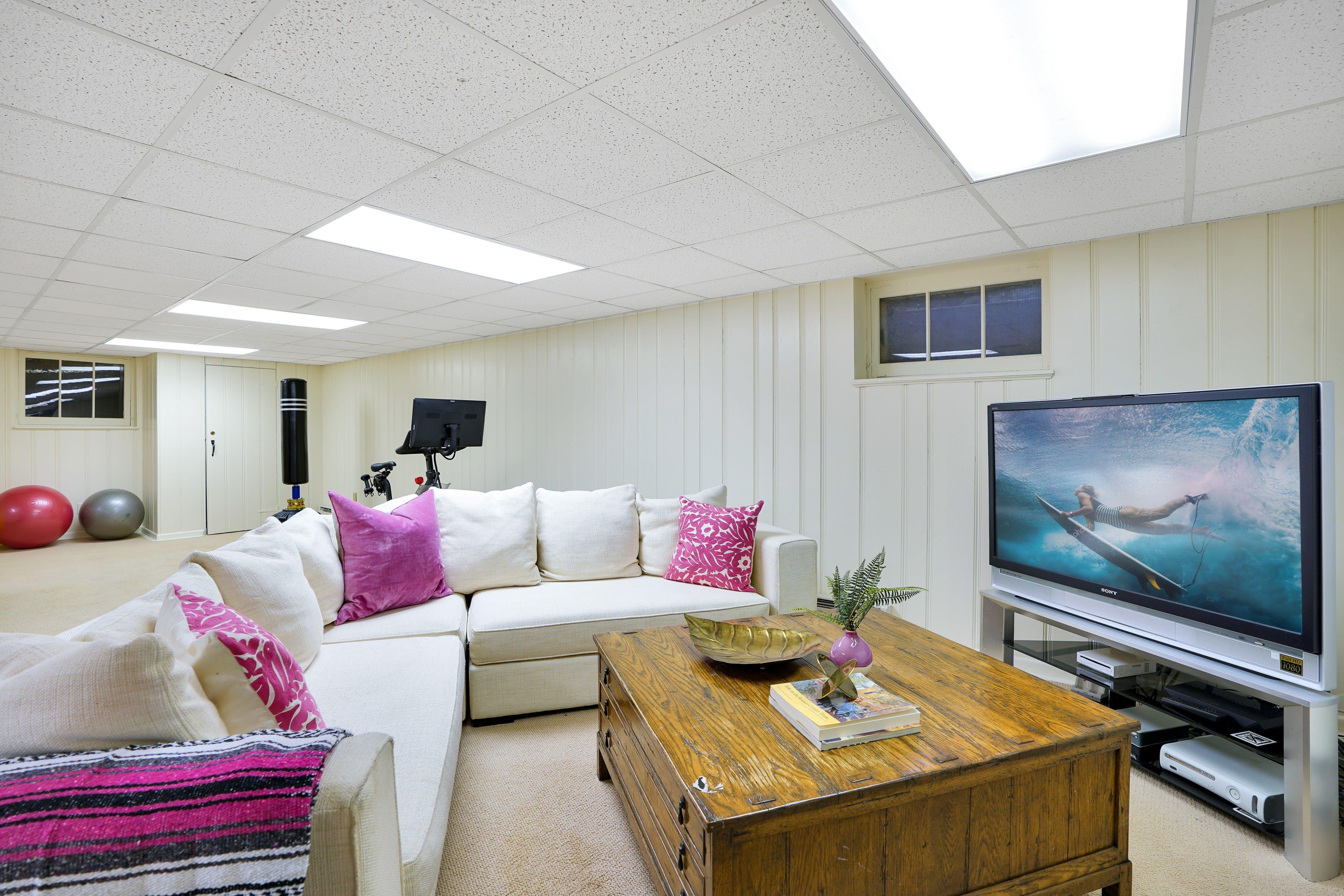 25 Knollwood Road Recreation Room
