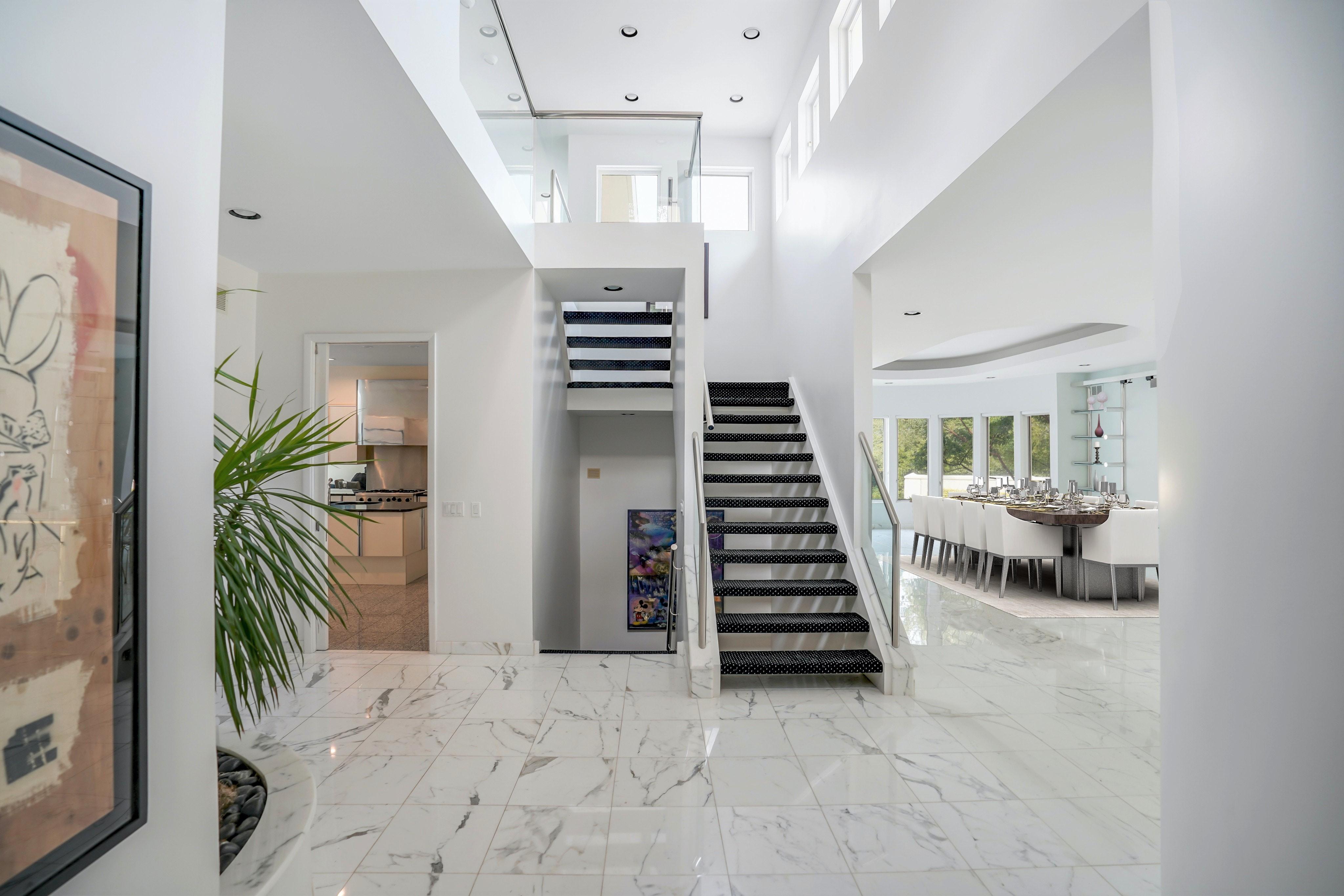 261 Hartshorn Drive - First Floor Hallway