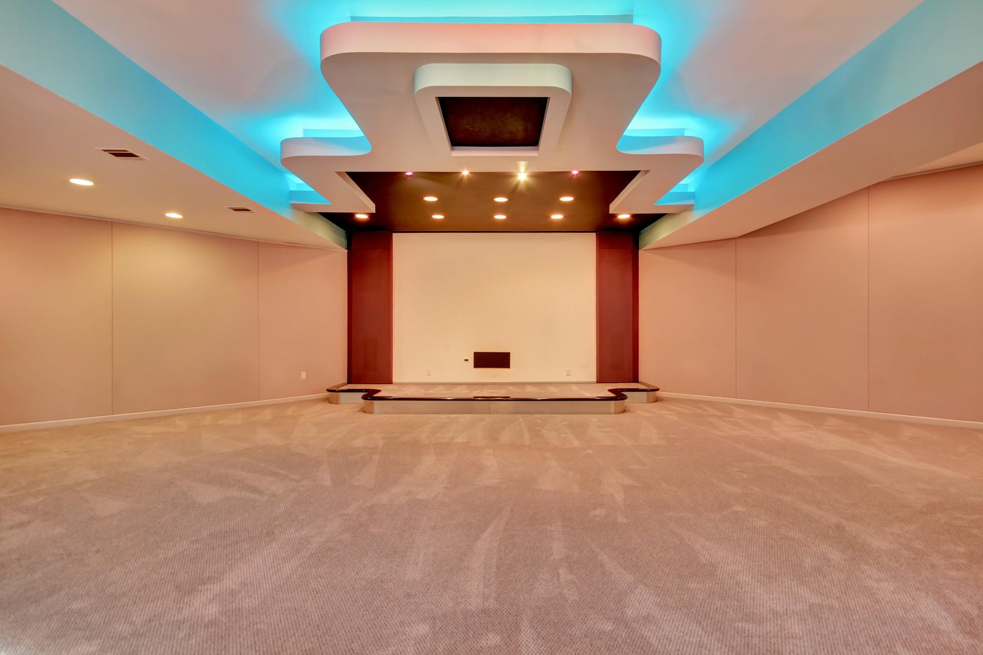 4 Chelsea Drive Livingston NJ Indoor Pool