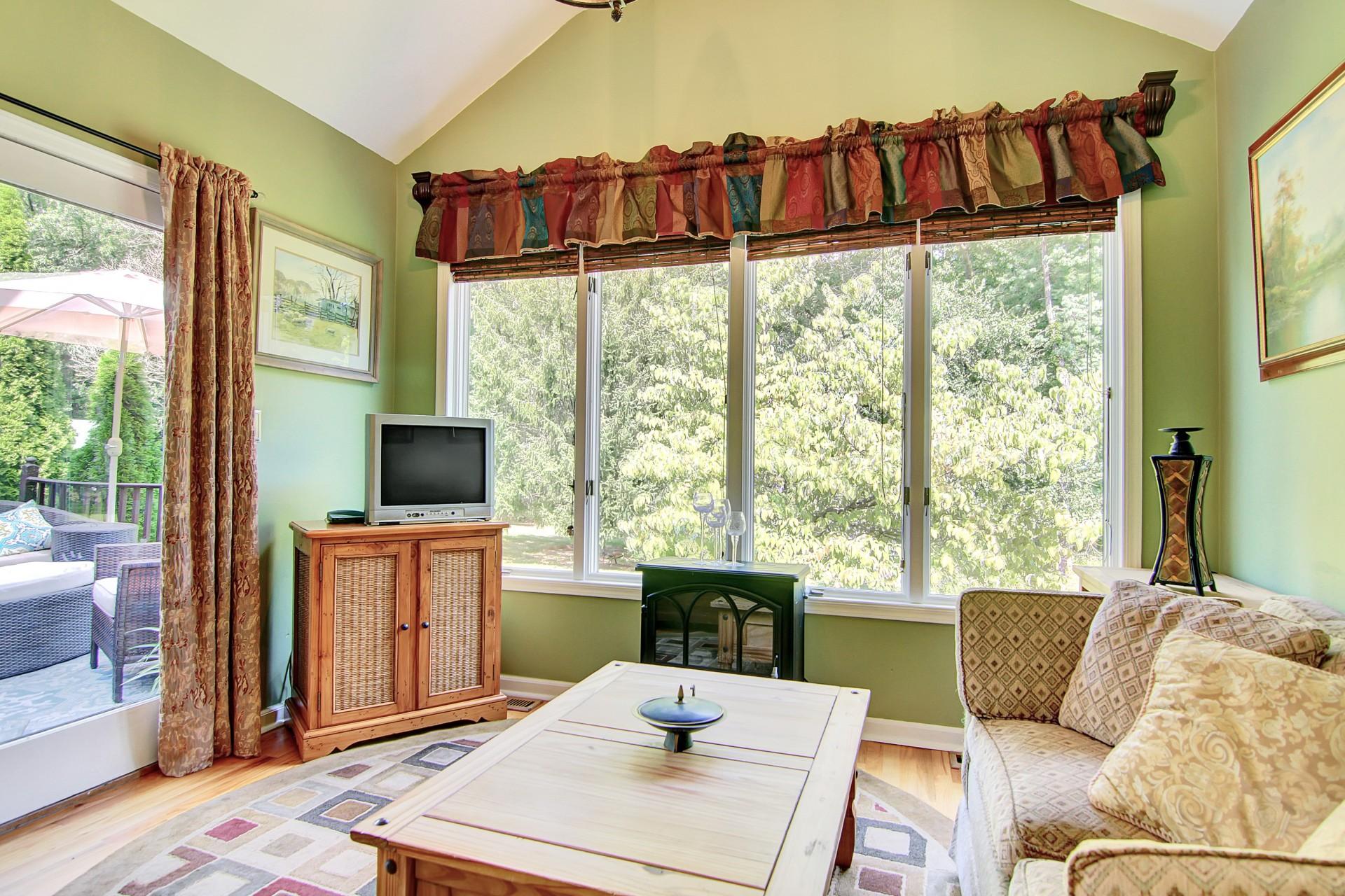 30 Greenfield Avenue Sunroom