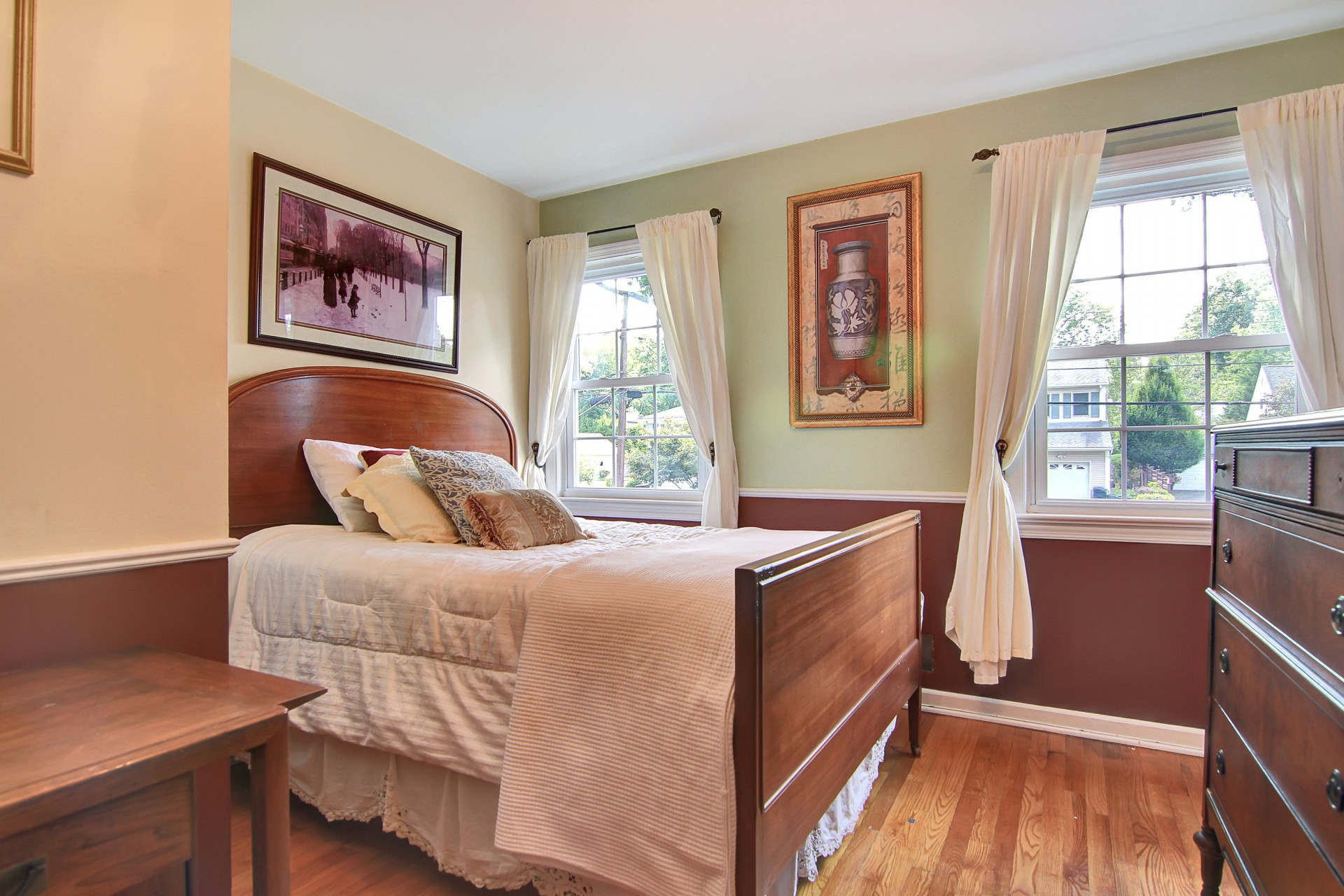 30 Greenfield Avenue Bedroom