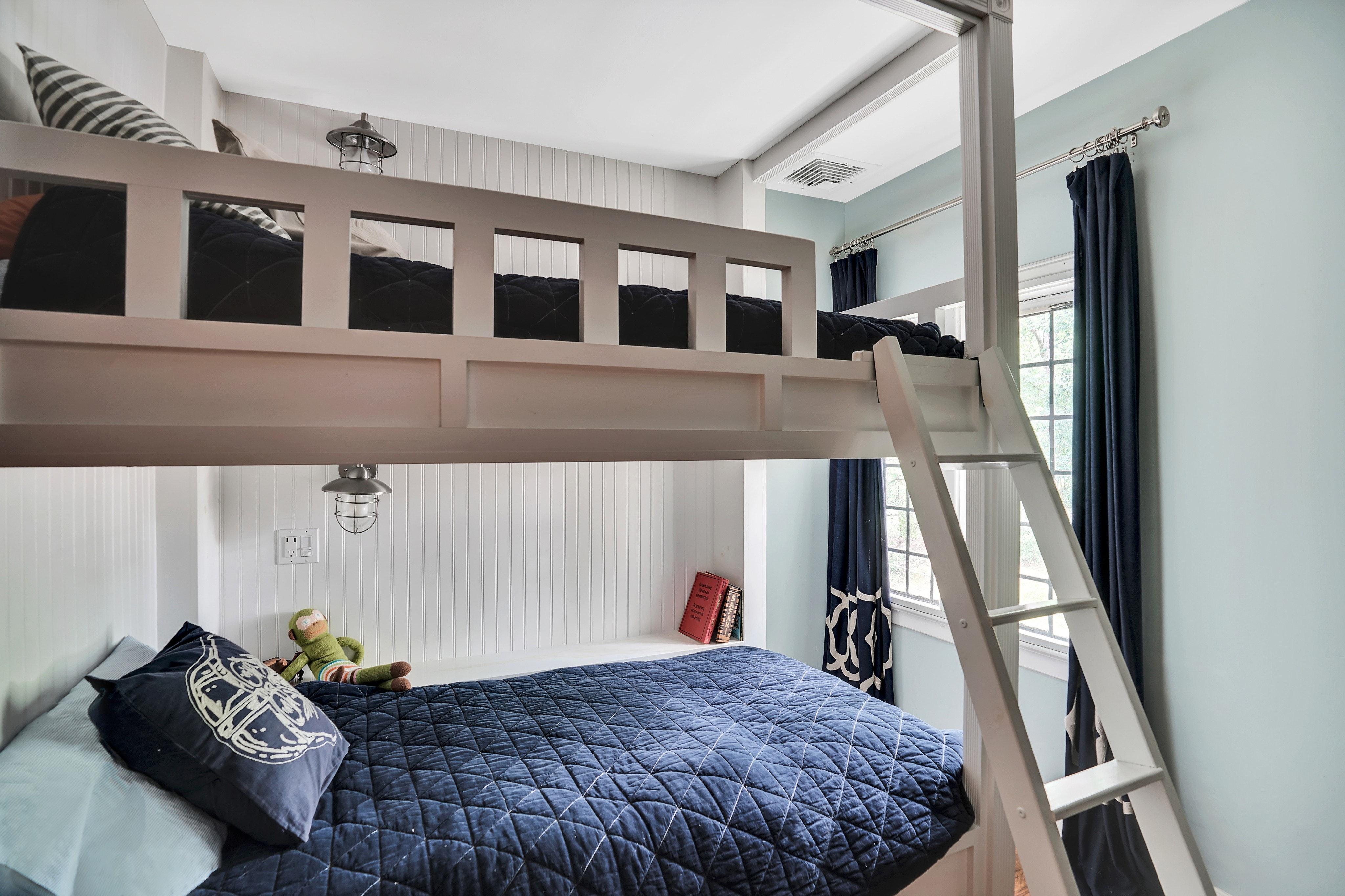 441 Overhill Road Bedroom Photo