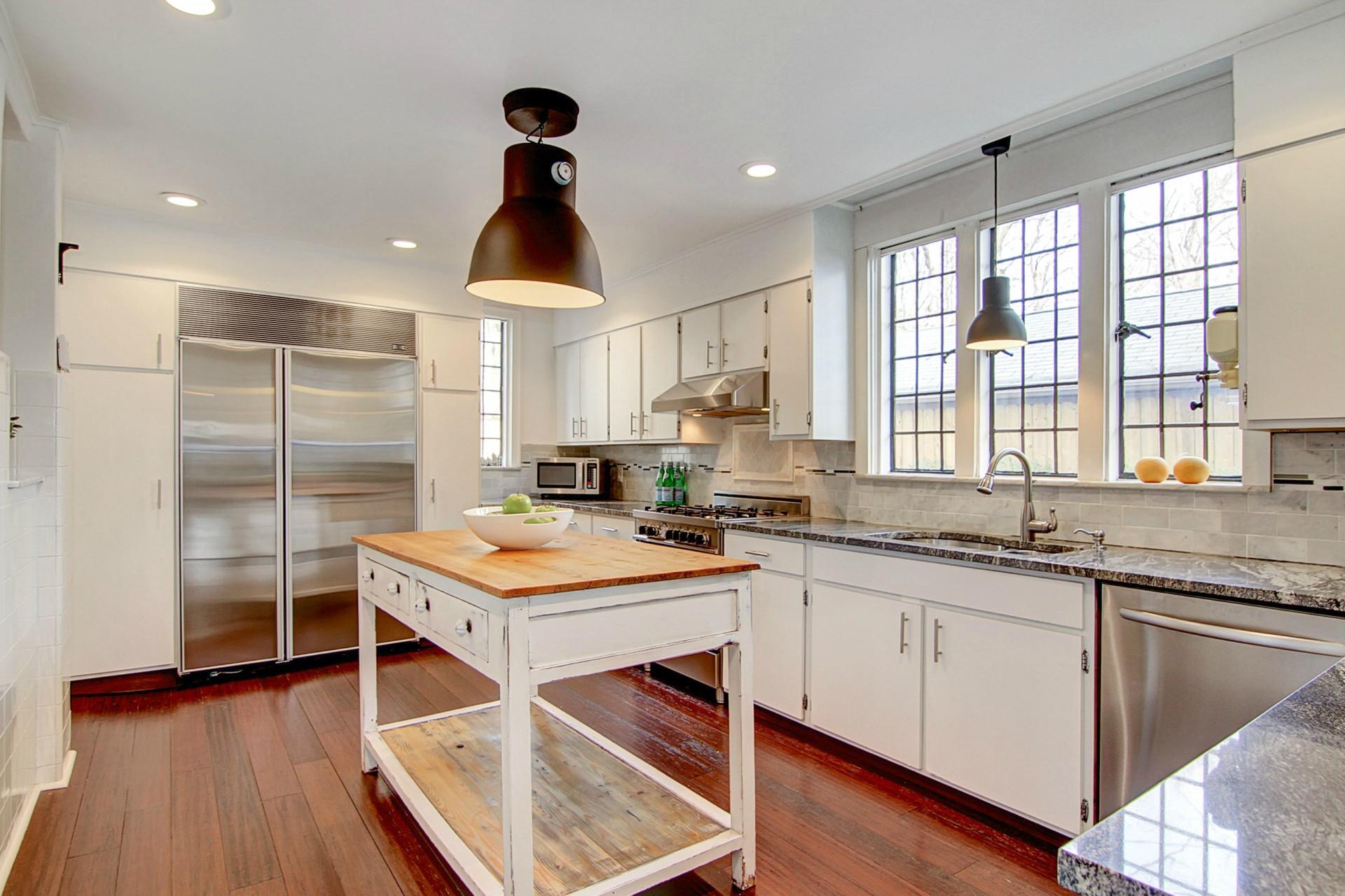 441 Overhill Road Kitchen Photo