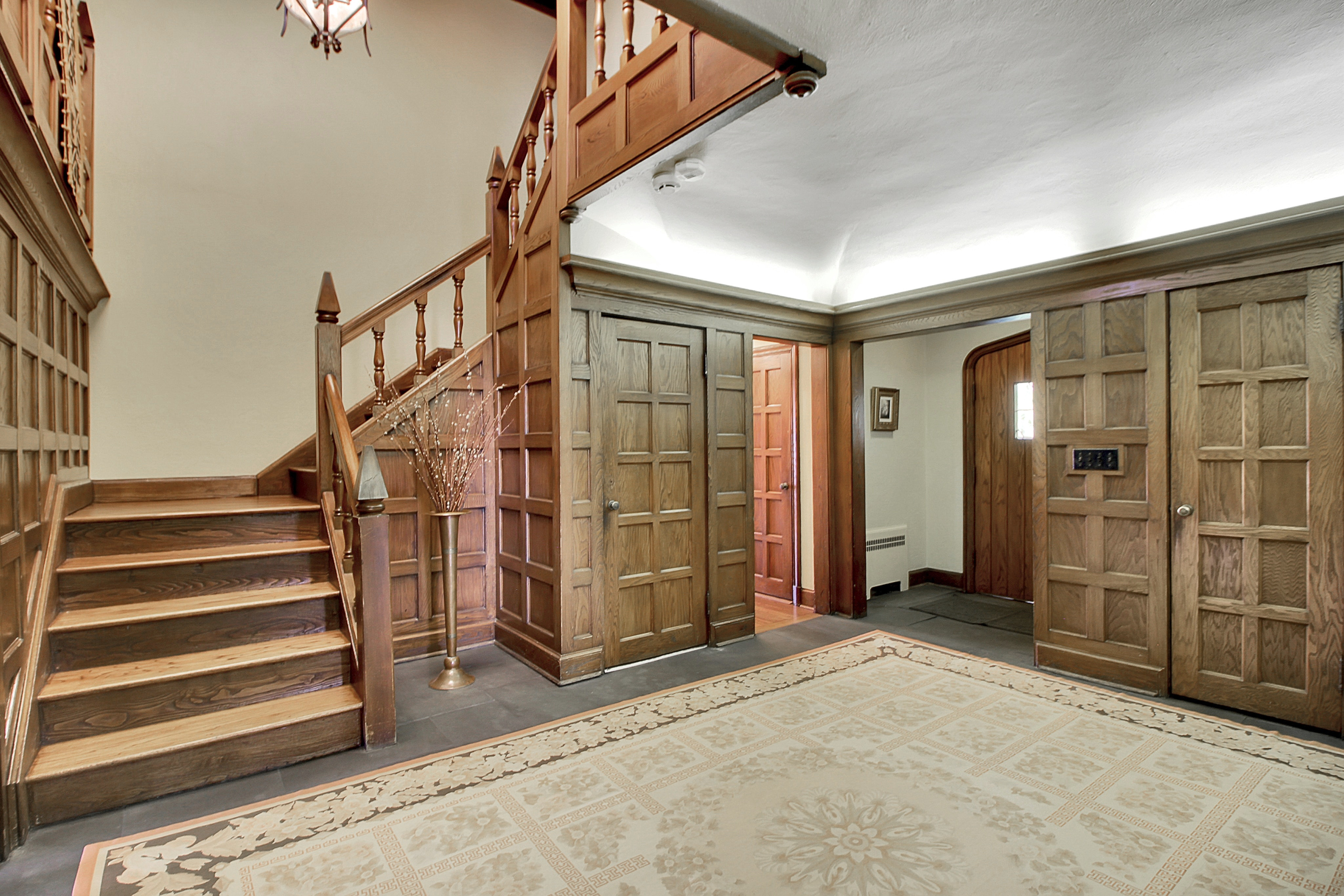 48 Crest Drive - Foyer