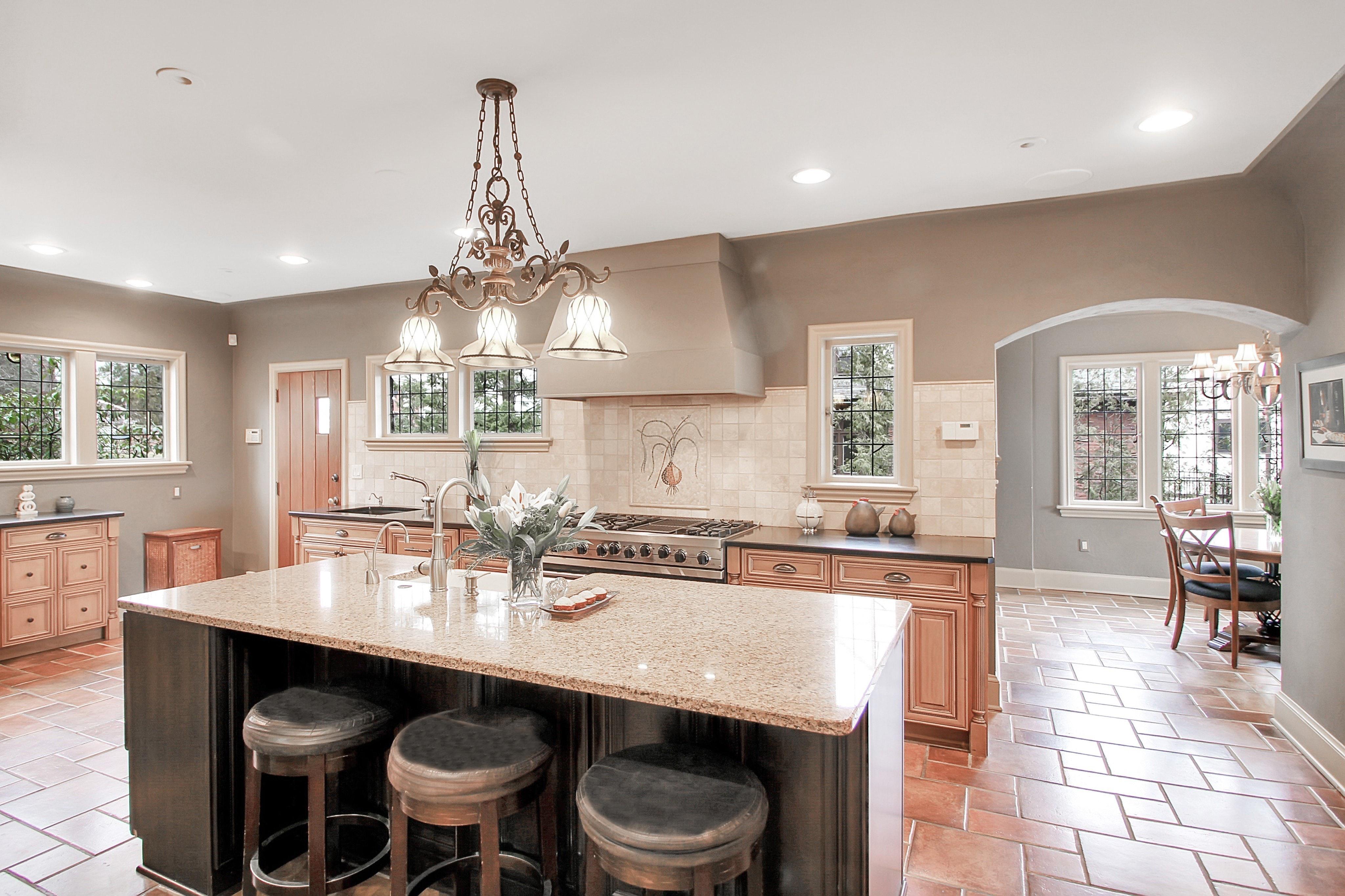 48 Crest Drive - Kitchen Photo