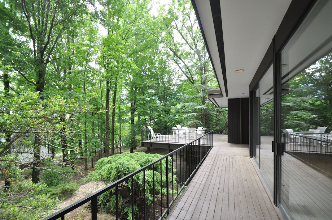 495 Longview Road Deck