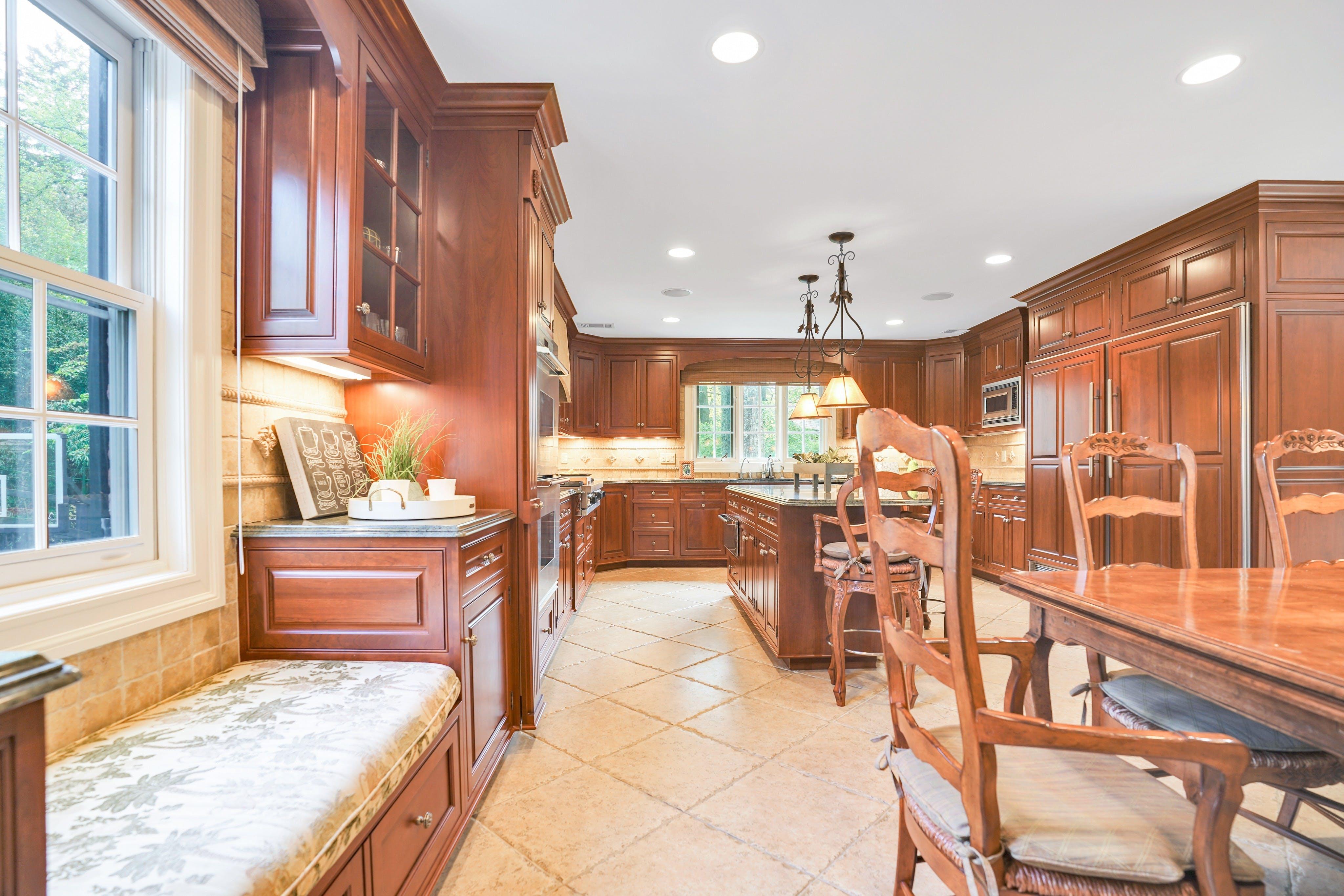 65 Lake Road Kitchen