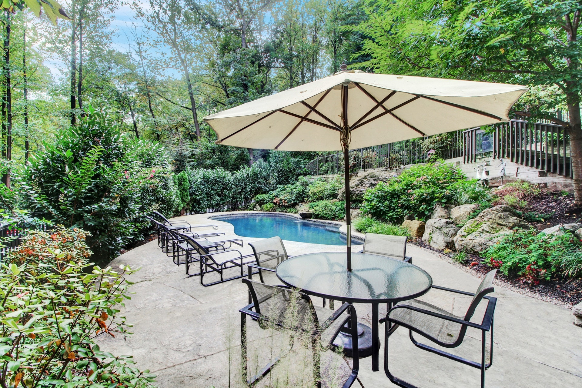 69 Mountain Avenue - Pool