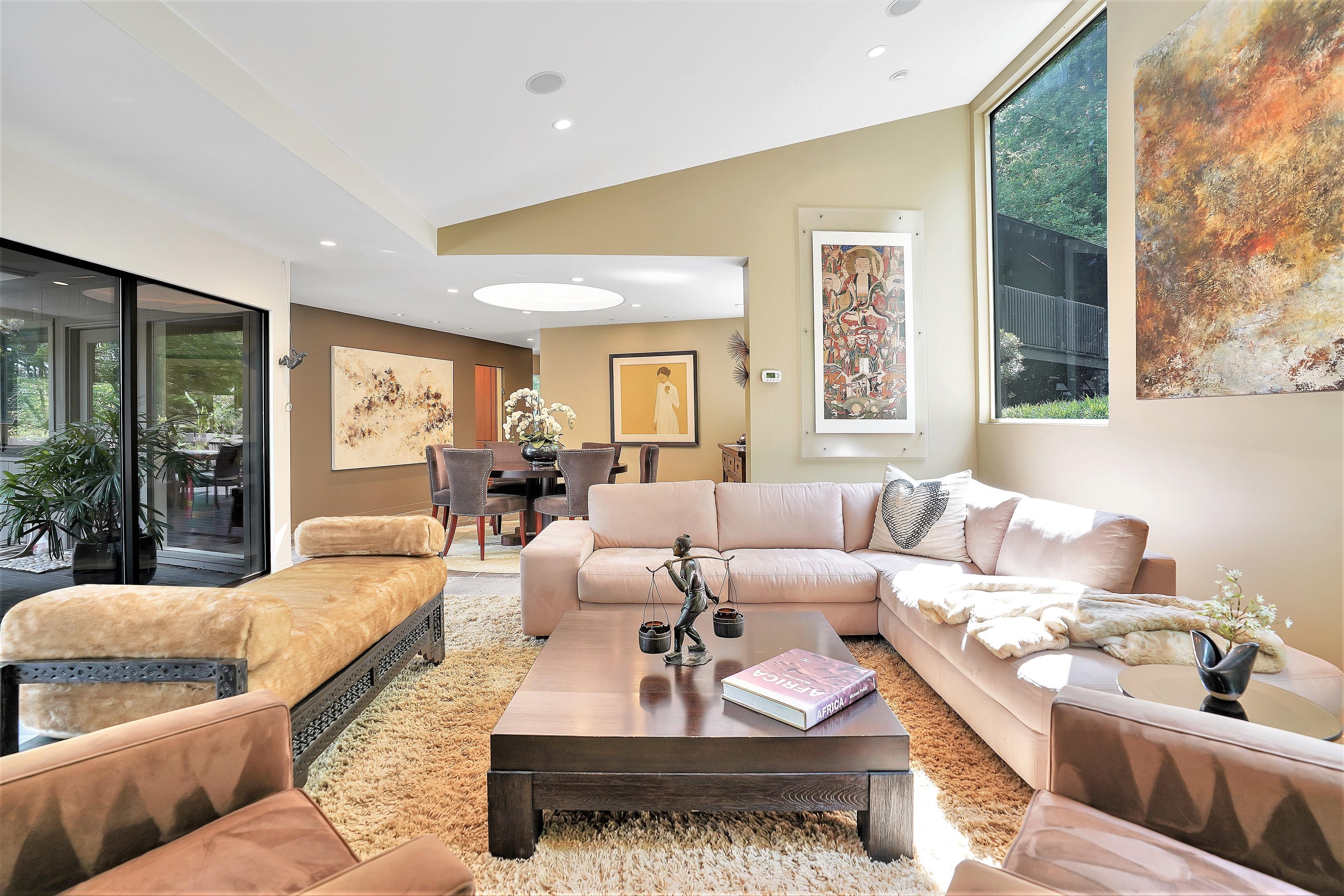 69 Mountain Avenue - Living Room
