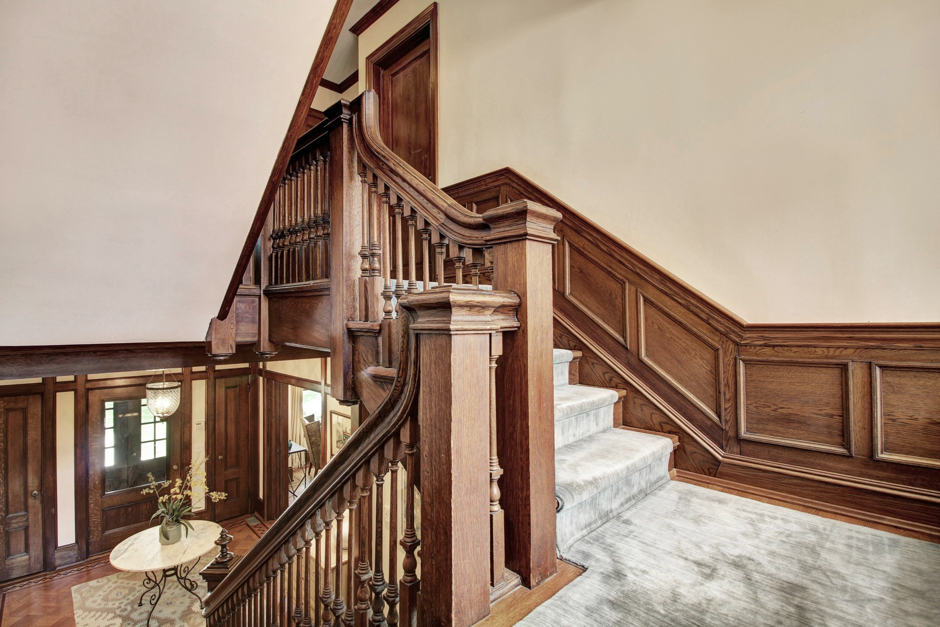 73 Oak Ridge Staircase