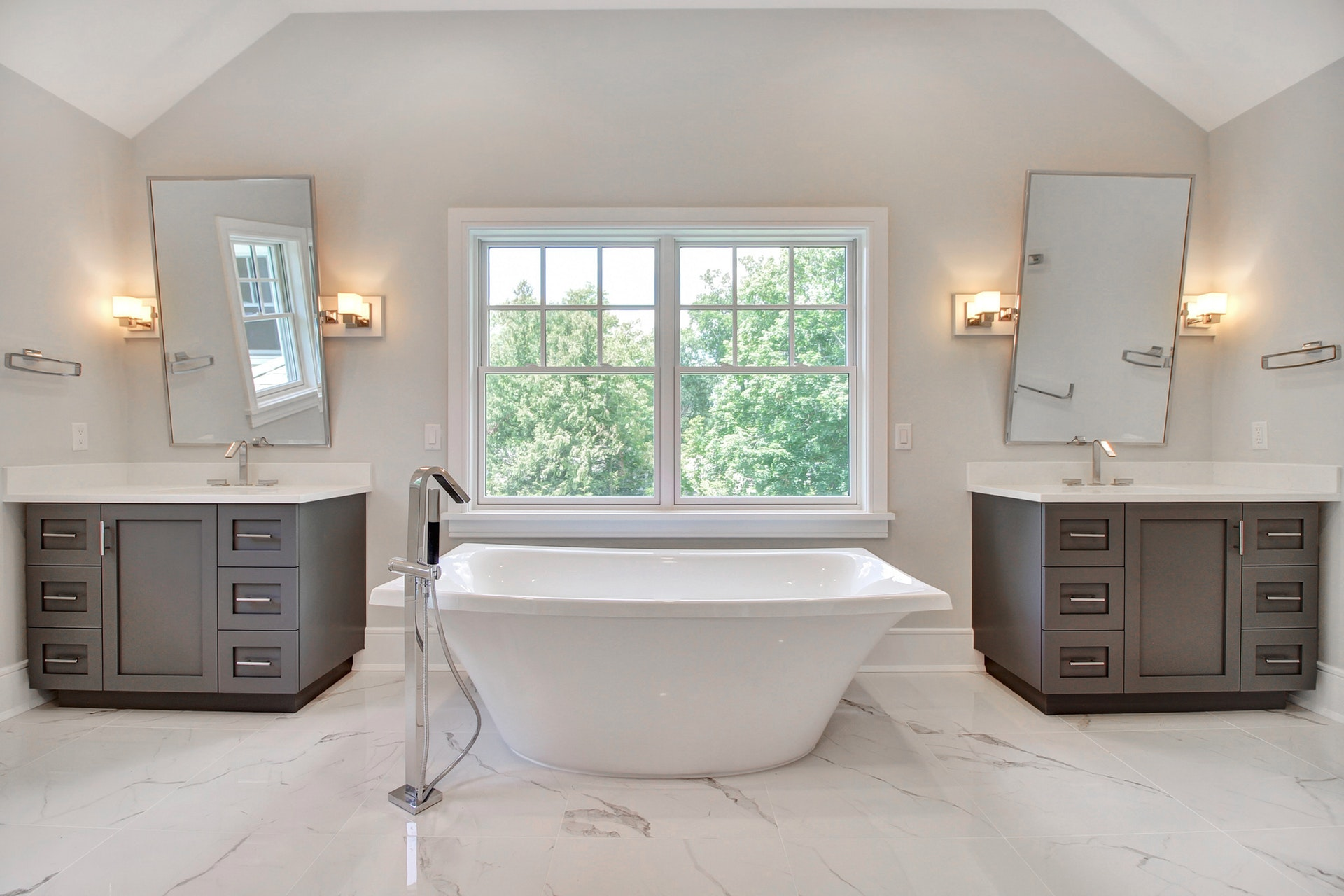 7 Saratoga Way - Master Bath