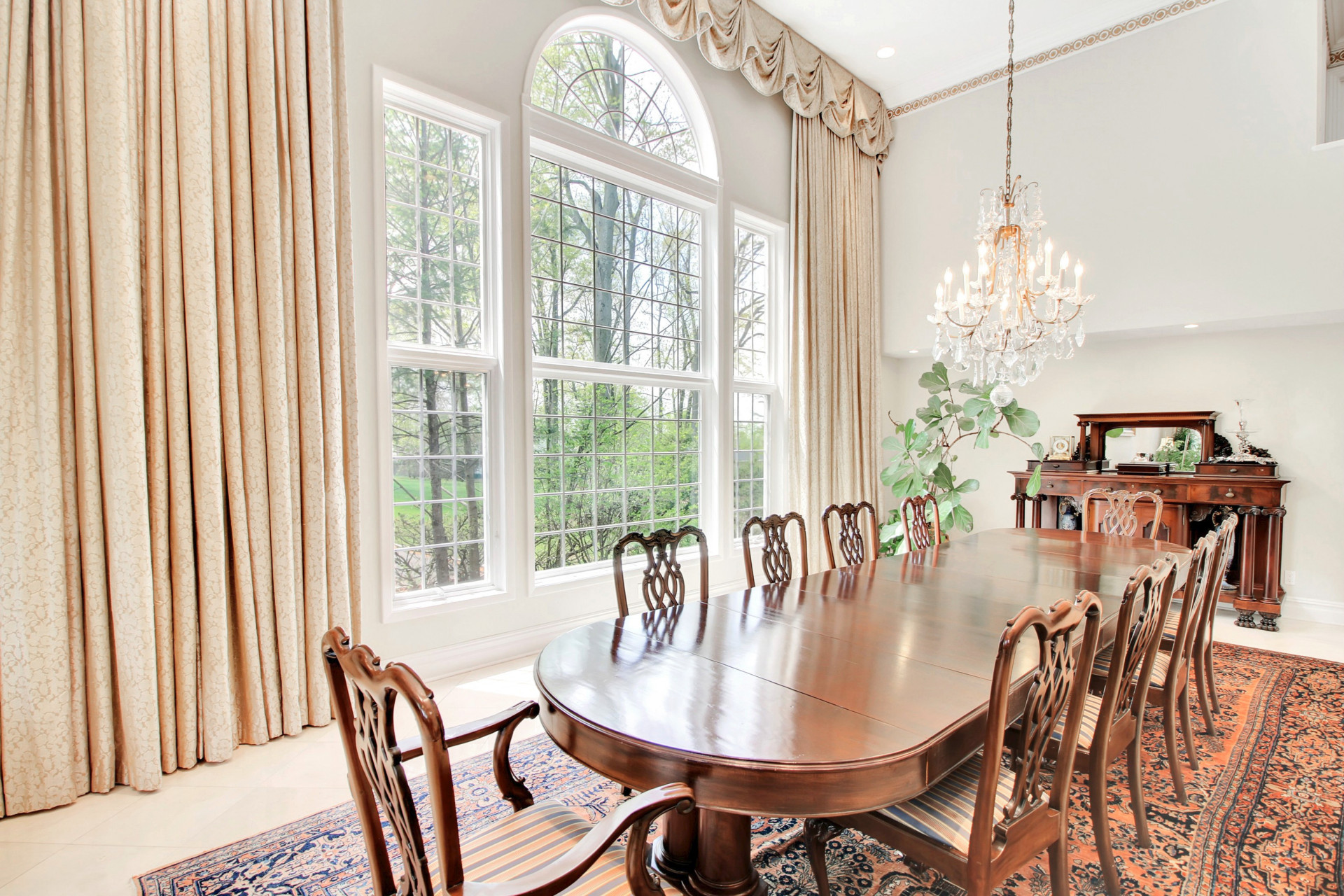 84 Shrewsbury Drive Dining Room