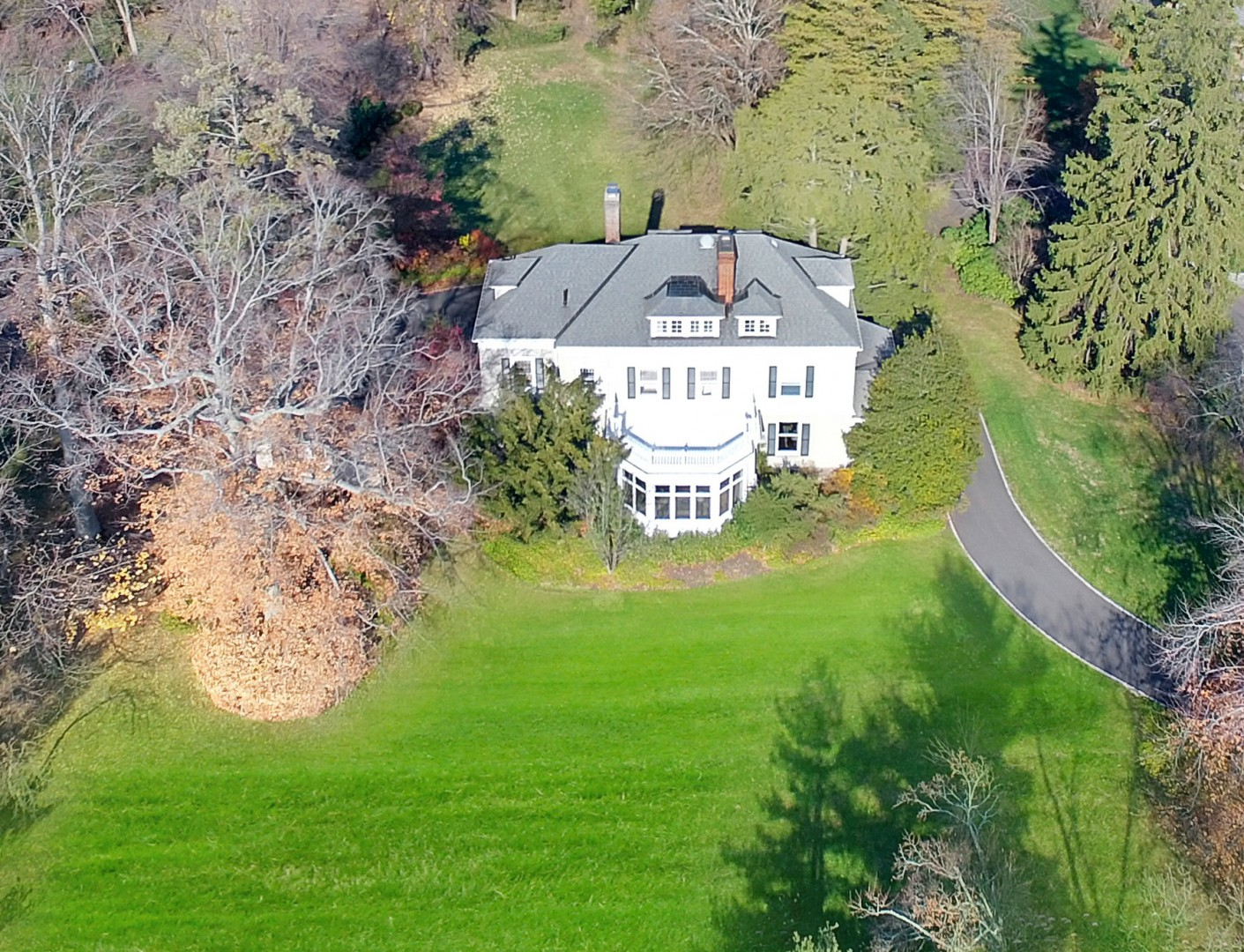 94 Knollwood Road Front Aerial