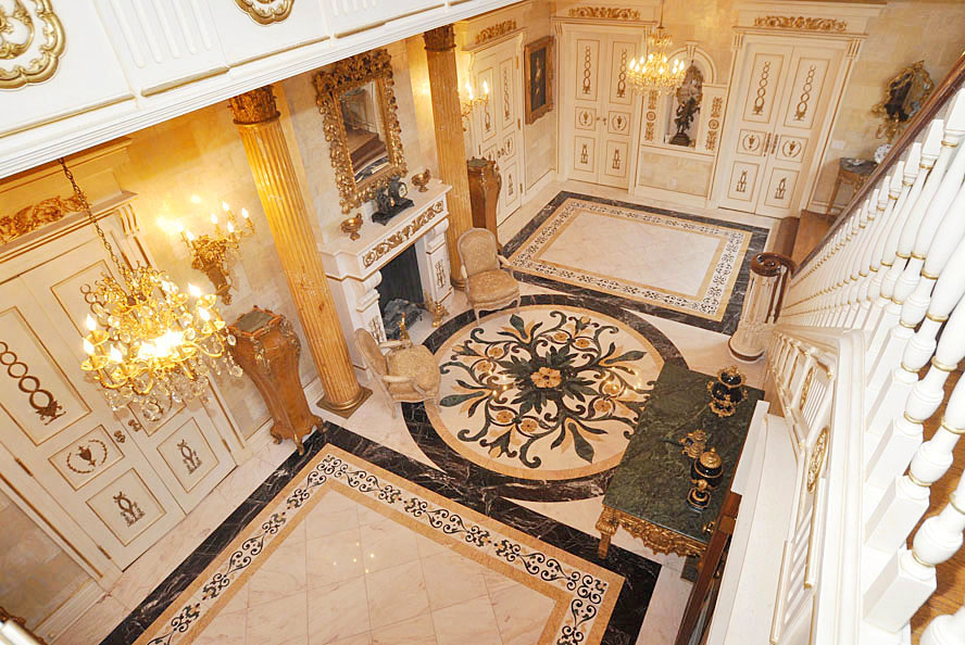 8 Windermere Court Foyer From Above