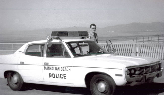 Image of Police Officer in Manhattan Beach
