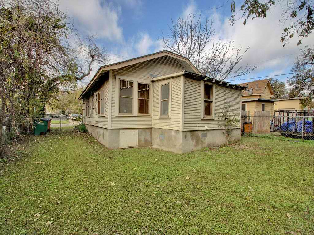 1403 Chicon St Central Austin Home for Sale