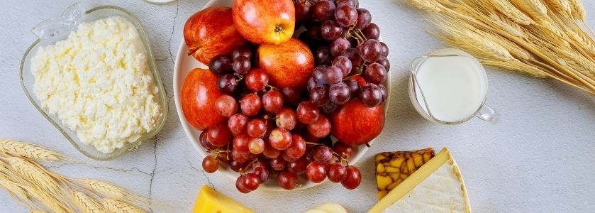 kosher cheese and fruit platter