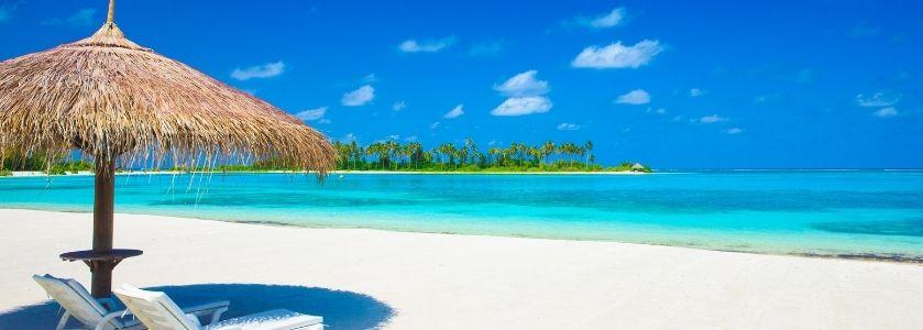 chickee hut on beautiful beach