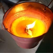 citronella candle in aluminium tin