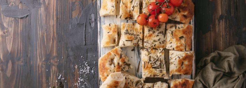 seasoned focaccia bread