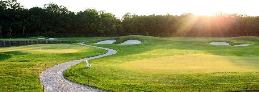 beautiful winding golf course road