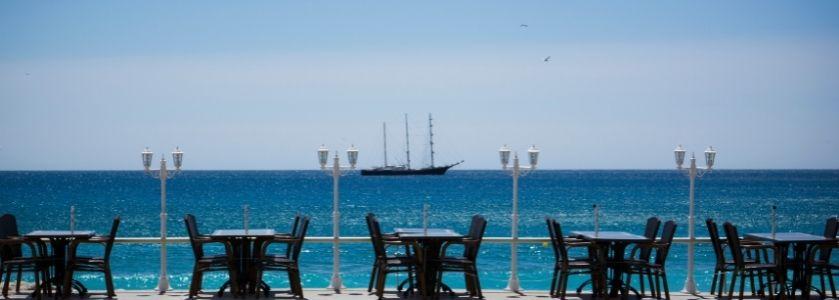 waterfront dining on boardwalk