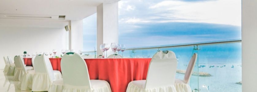 high class waterfront dining room