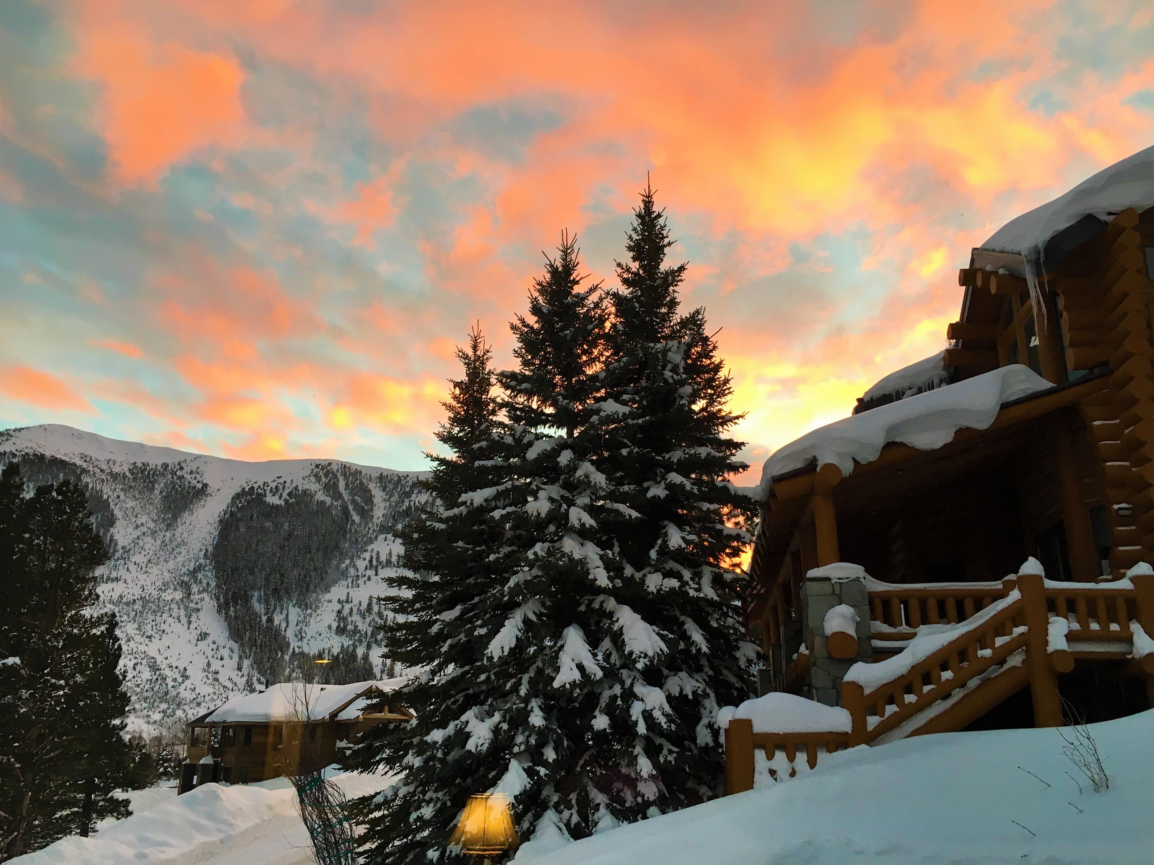 Snowcreek Ranch Custom Home Spectacular Mountain Sunset Views