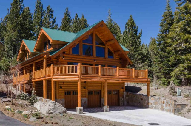 714 MAJESTIC PINE CUSTOM LUXURY LOG HOME