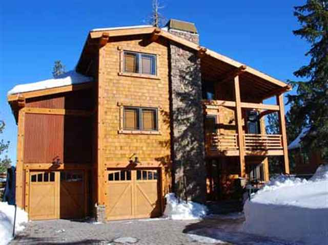CROOKED PINES HOME ZONED FOR NIGHTLY RENTALS