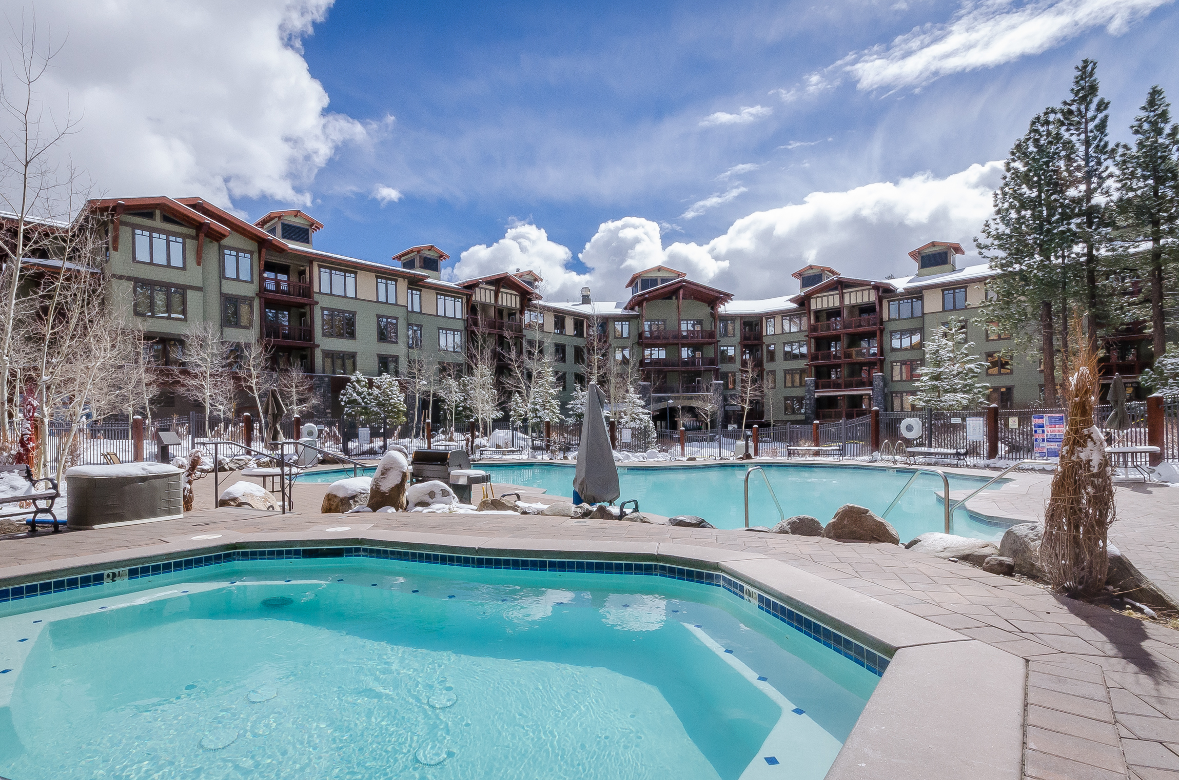 Grand Sierra Lodge Heated Swimming Pool in Winter