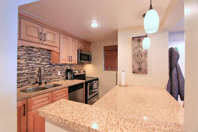 Hidden Valley #42 Beautifully Remodeled Condo
