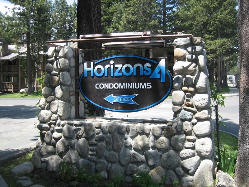 HORIZONS 4 CONDOS COMPLEX SIGN