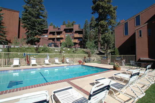 Mammoth Ski & Racquet Condos Common Area Pool