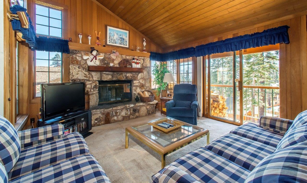 MOUNTAINBACK 3 BED CONDO CLOSE TO CANYON LODGE