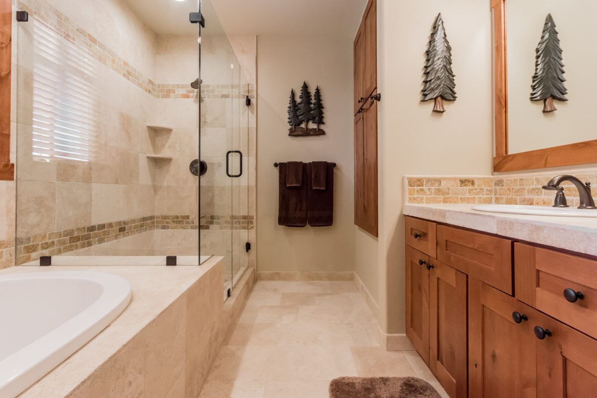 MOUNTAINSIDE MODEL BATHROOM