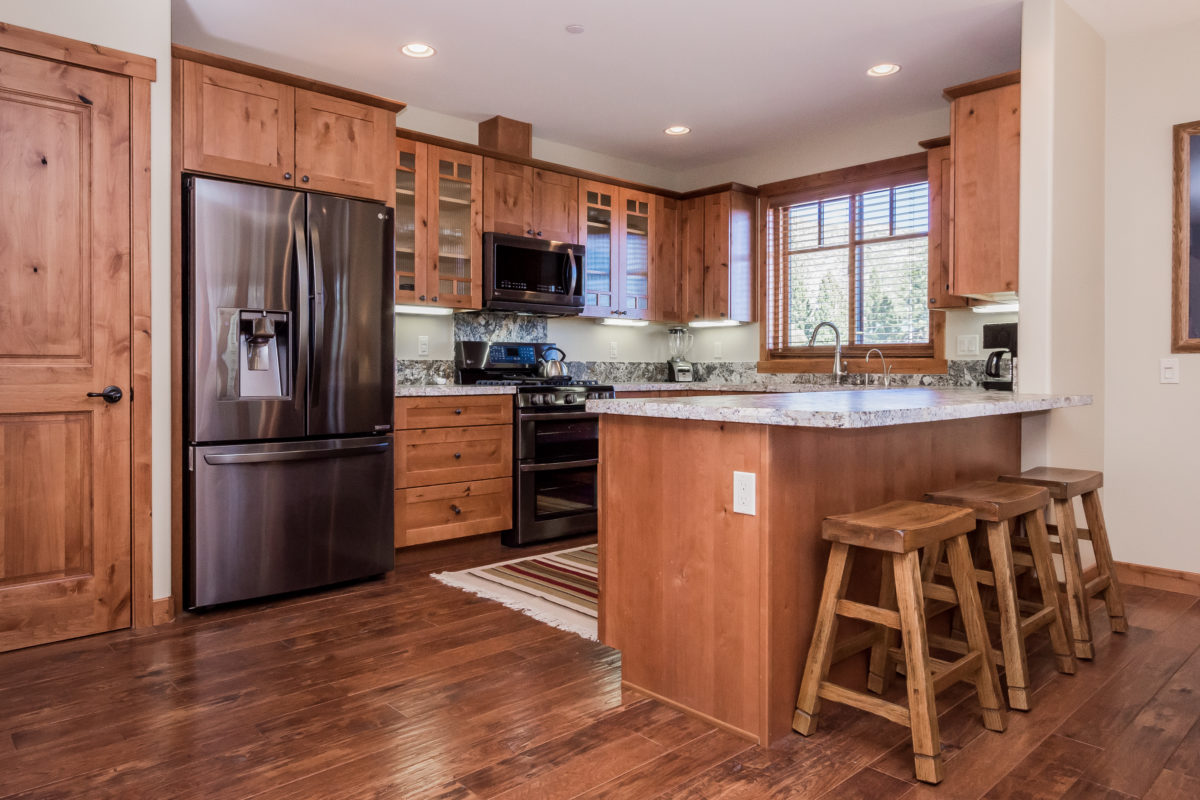MOUNTAINSIDE TOWNHOMES KITCHEN