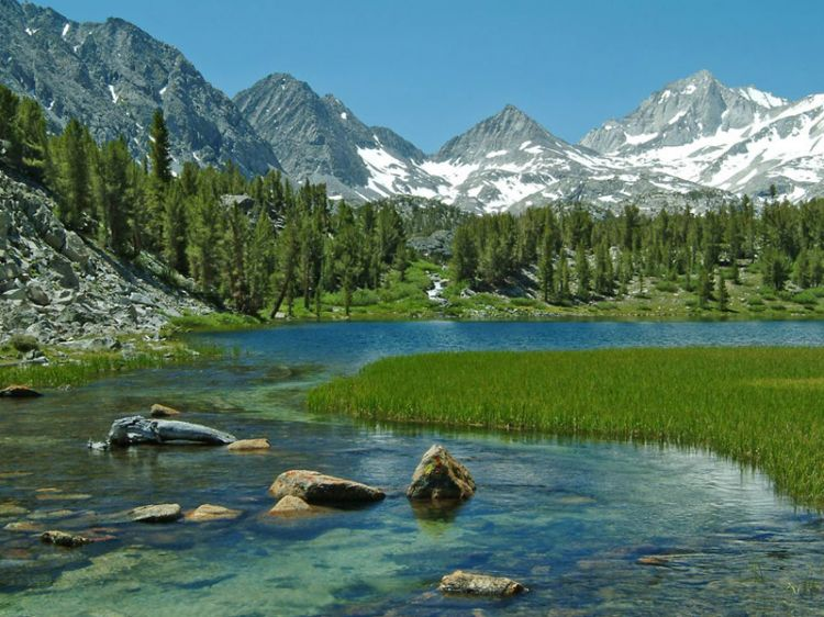Mammoth Lakes back country lake