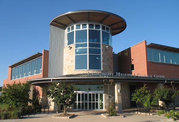 Longmont Museum and Cultural Center - Image Credit: http://en.wikipedia.org/wiki/File:LongmontMuseum.jpg
