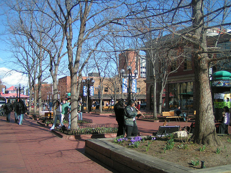 Pearl Street Mall - Image Credit: https://www.flickr.com/photos/webgoddess/2352959419