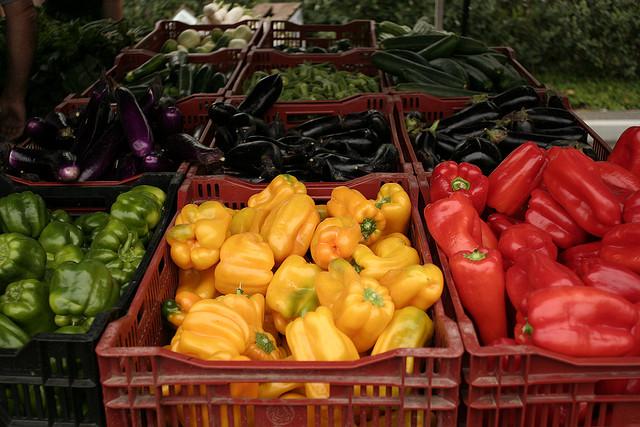 Farmers Market - Image Credit: https://www.flickr.com/photos/ianmalcm/3828791073