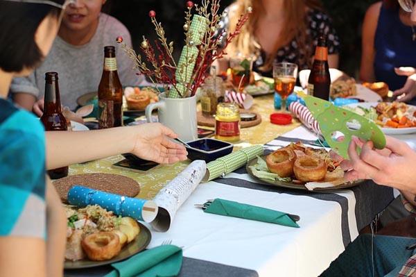 Dining - Image Credit: http://pixabay.com/en/users/vivienviv0-671182/